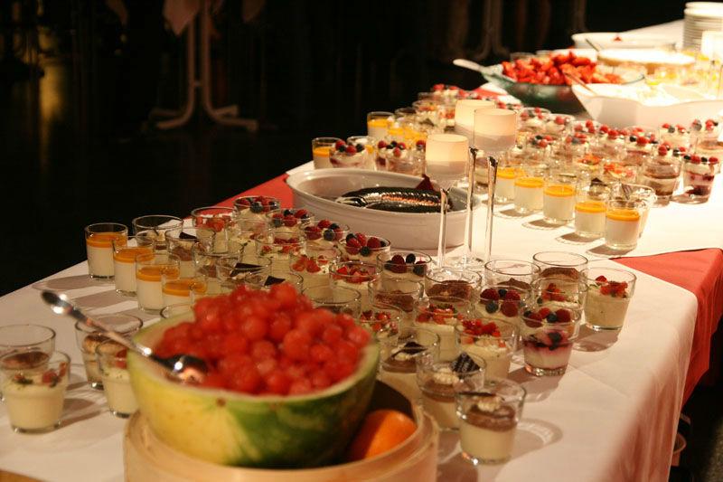 Beispiel: Buffet, Foto: Otten Gravour.
