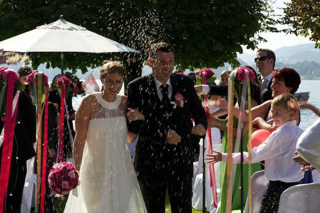 Beispiel: Frisch vermähltes Paar, Foto: People Vision.