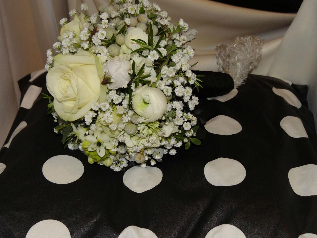 Brautstrauss Black and White
