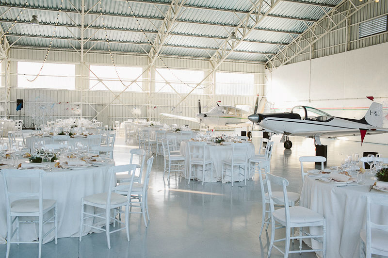 Hangar wedding, allestimento ricevimento. Photo@IglooPhoto Wedding Design&Planning@THAT DAY di Monica Ferraris