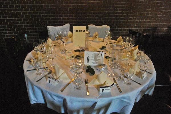 Beispiel: Festlich gedeckte Tische, Foto: Freiheit Fünfzehn.