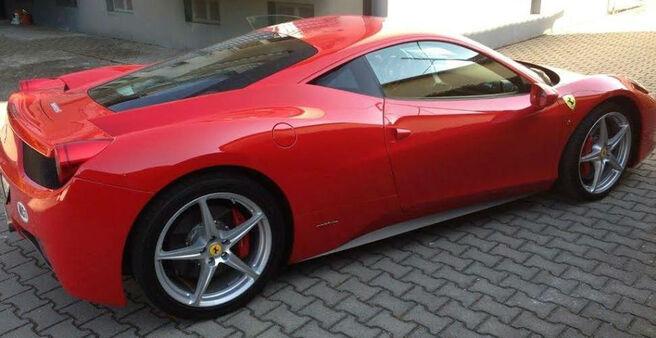 Beispiel: Ferrari als Hochzeitsauto, Foto: Xclusivecars.