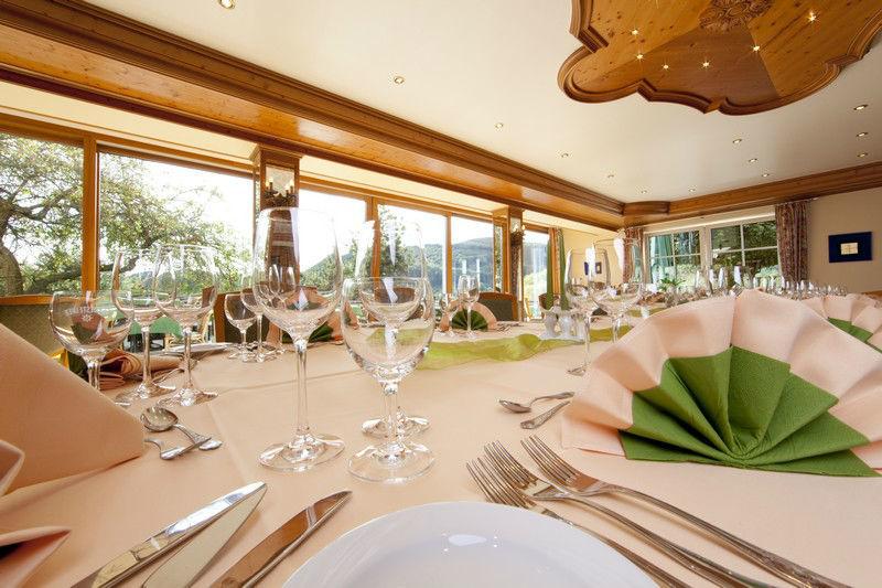 Beispiel: Tischdekoration, Foto: Hotel Weis.