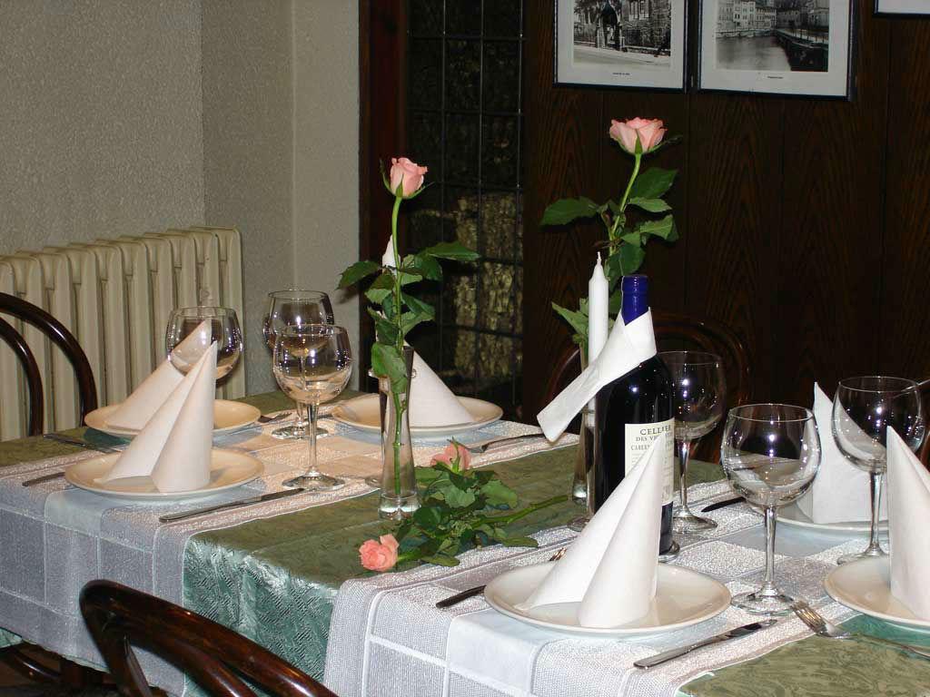 Beispiel: Tafel - Tischdekoration, Foto: Altstadt Cafe.
