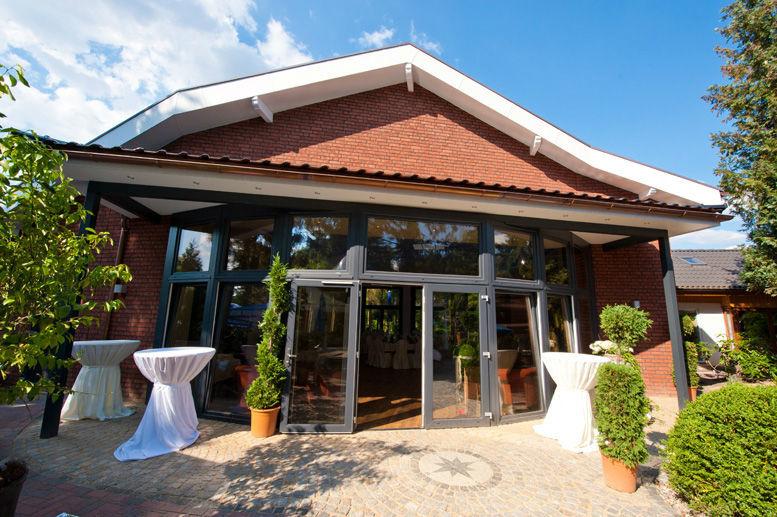 Beispiel: Festsaal - Außenansicht, Foto: Wein- und Friesenstube.