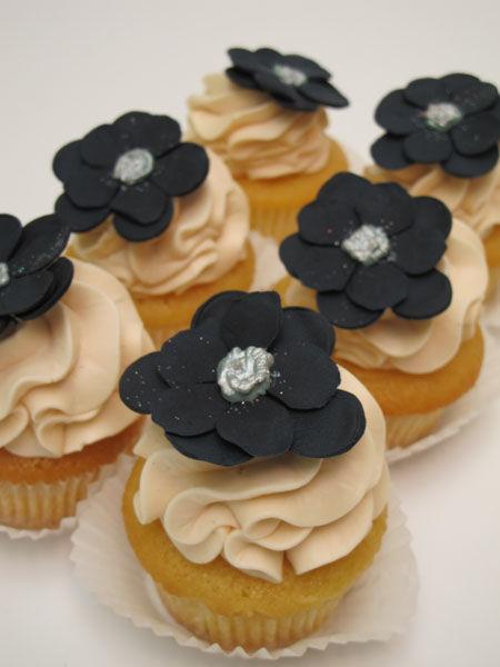 Beispiel: Cupcakes mit Frosting & Flowers, Foto: Madame Miammiam.