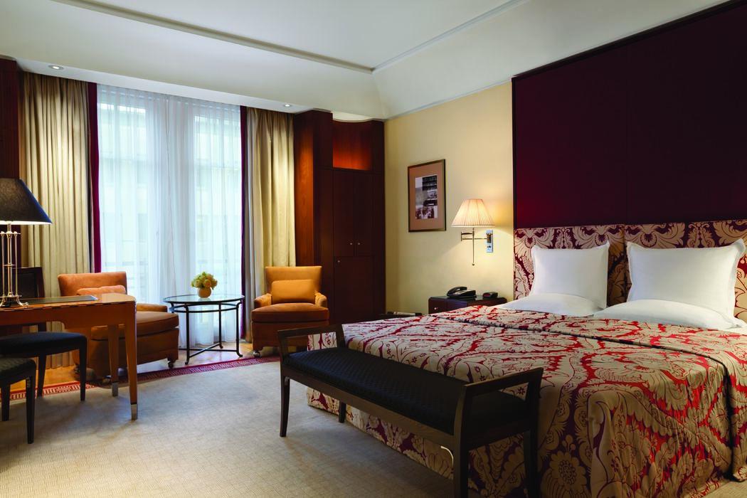 Beispiel: Deluxe Zimmer, Foto: Hotel Adlon Kempinski.