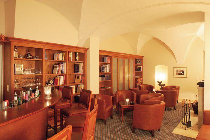 Beispiel: Bar, Foto: Schlossgut Gross Schwansee.
