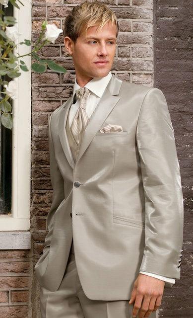 Beispiel: Der Anzug für Ihren schönsten Tag, Foto: Brautmoden Isabel Bräutigam.