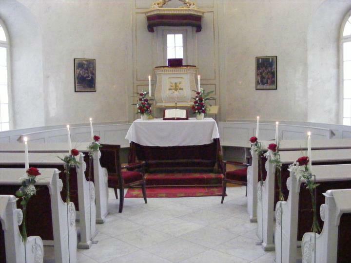 Beispiel: Kirchendekoration, Foto: Floristik Studio.