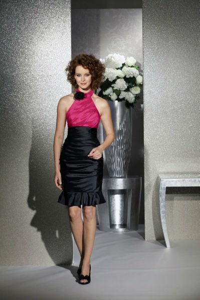 Beispiel: Ausgefallene Cocktailskleider, Foto: Bea's Brautmode Festkleider.