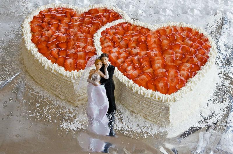 Beispiel: Hochzeitstorte, Foto: AKZENT Aggertalhotel Zur alten Linde.