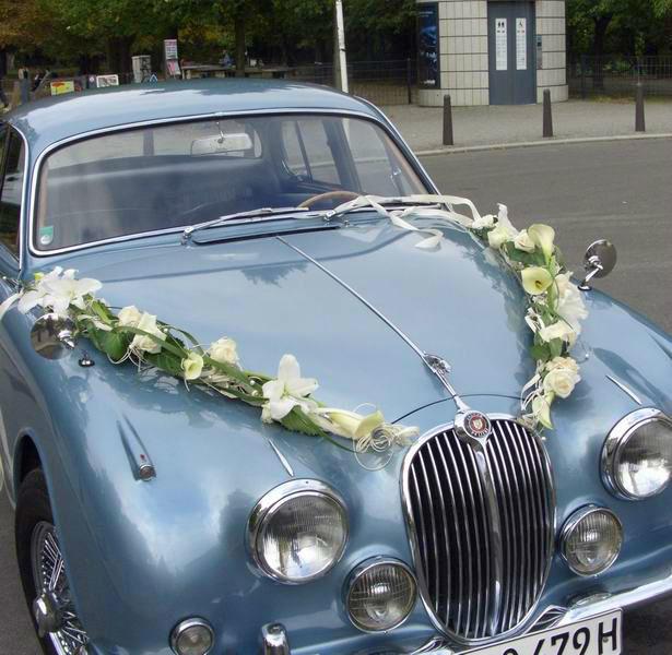 Beispiel: Floraler Autoschmuck, Foto: Nadja Meyer Floristik.