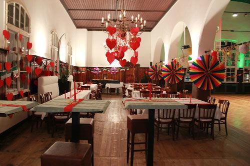 Beispiel: Hochzeitsbankett, Foto: dance maxX Roth.