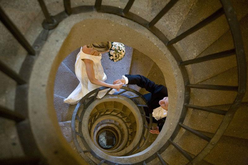 Park Hotel Villa Grazioli: Gli sposi nella scala a chiocciola