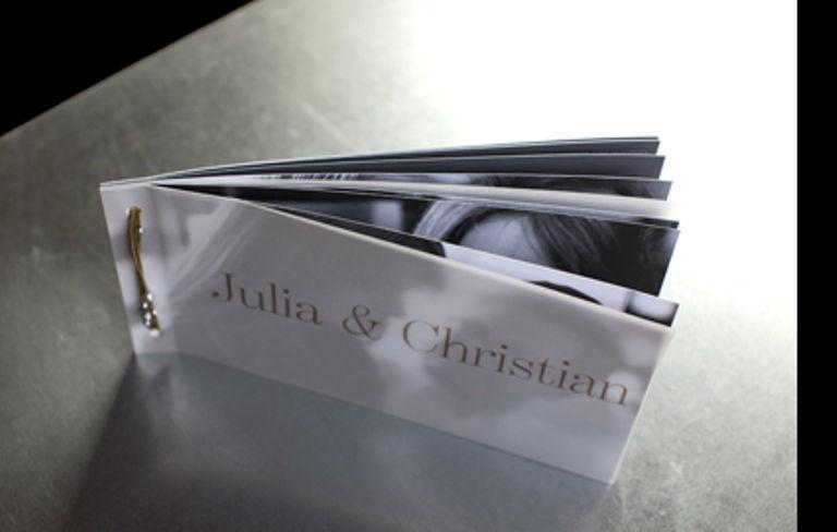 Beispiel: Kreative Hochzeitseinladungen, Foto: tellme.