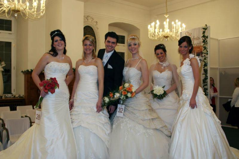 Beispiel: Aktuelle Brautmode, Foto: Die Erlebnishochzeit Limburg.