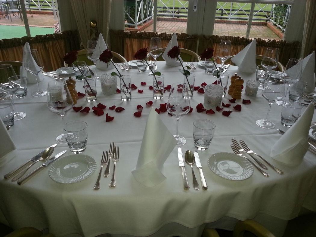 Beispiel: Hochzeitsbankett - Runder Tisch, Foto: Landhaus am Poloplatz.