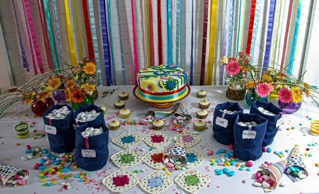 sweet table multicolor  in stile boho-hippie