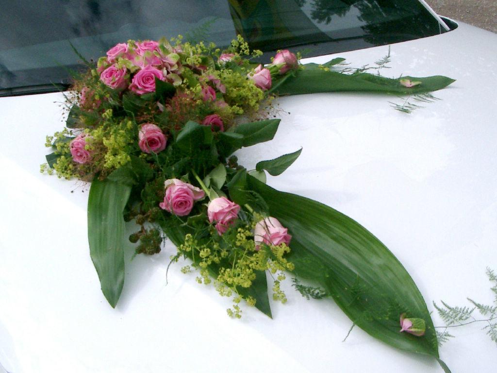 Beispiel: Autoschmuck, Foto: Art Fleur – Floristik aus Holland.