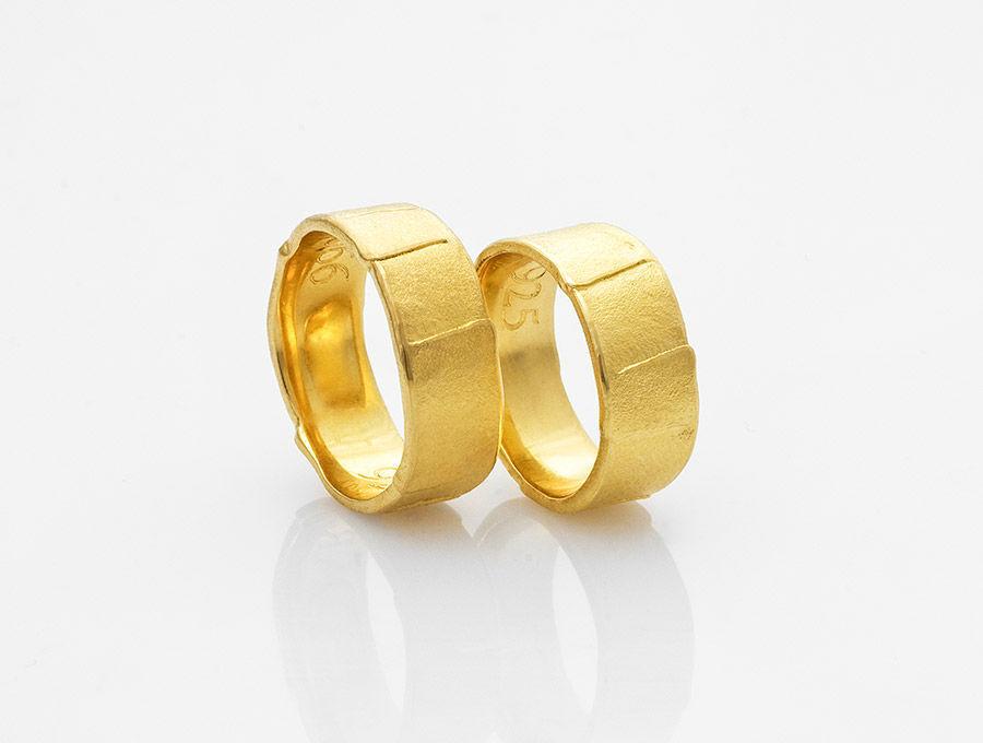 Beispiel: Partnerringe, Foto: GoldMond.