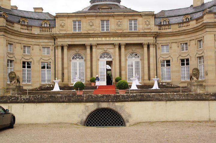 Beispiel: Empfang am Schlosseingang, Foto: Schlosshotel Monrepos.