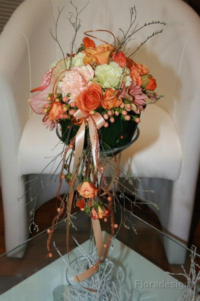 Beispiel: Floraler Schmuck, Foto: Floradesign.