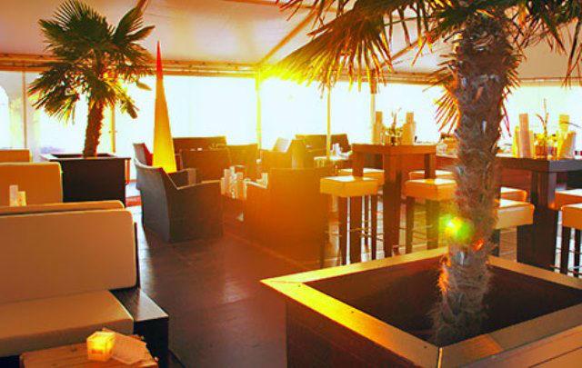 Beispiel: Sonnenuntergang in der Strandbar, Foto: Teepott-Restaurant.
