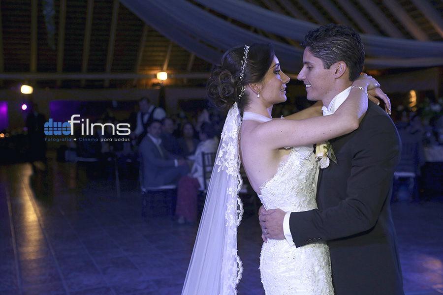 Nuestro Primer Baile juntos como esposos