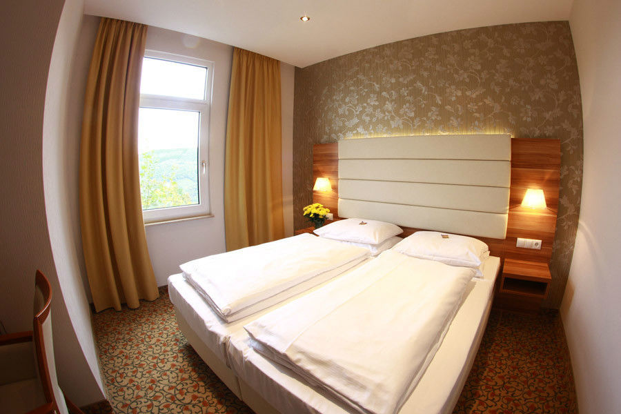 Beispiel: Doppelzimmer, Foto: Schlosshotel Molkenkur.