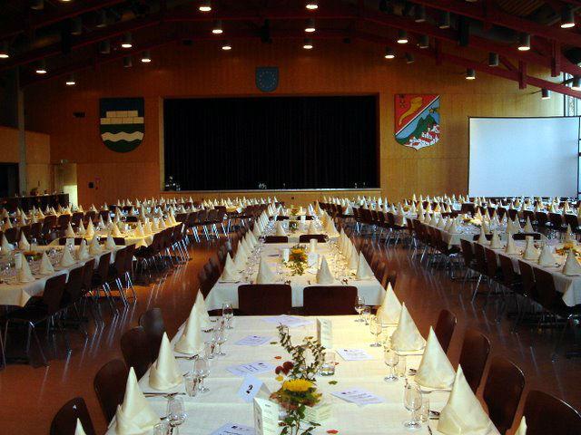 Beispiel: Festtagstafel, Foto: Hotel-Restaurant Zum Fröhlichen Landmann.