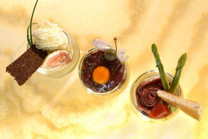 Beispiel: Süße Schlemmereien, Foto: Grand Hotel Europa Innsbruck.
