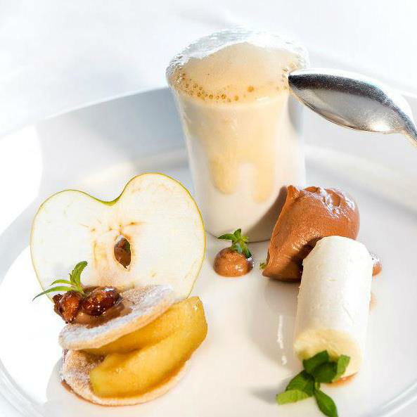 Beispiel: Dessert, Foto: Traube Romantisches Hotel & Restaurant.