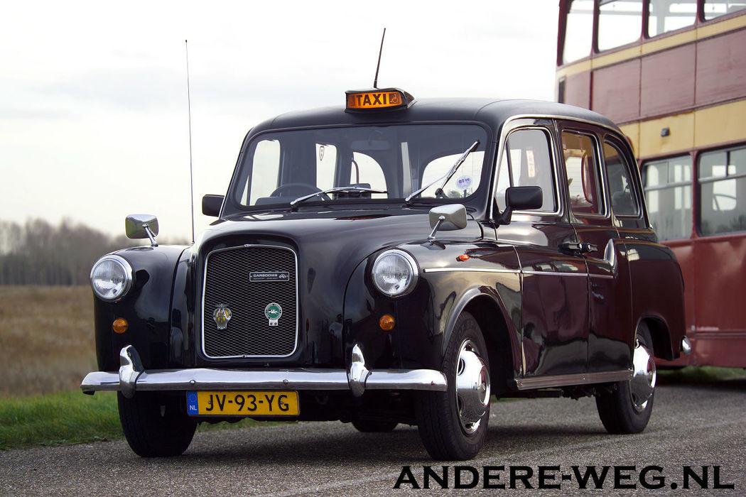 london taxi 1974  5 zitplaatsen plus bestuurder
