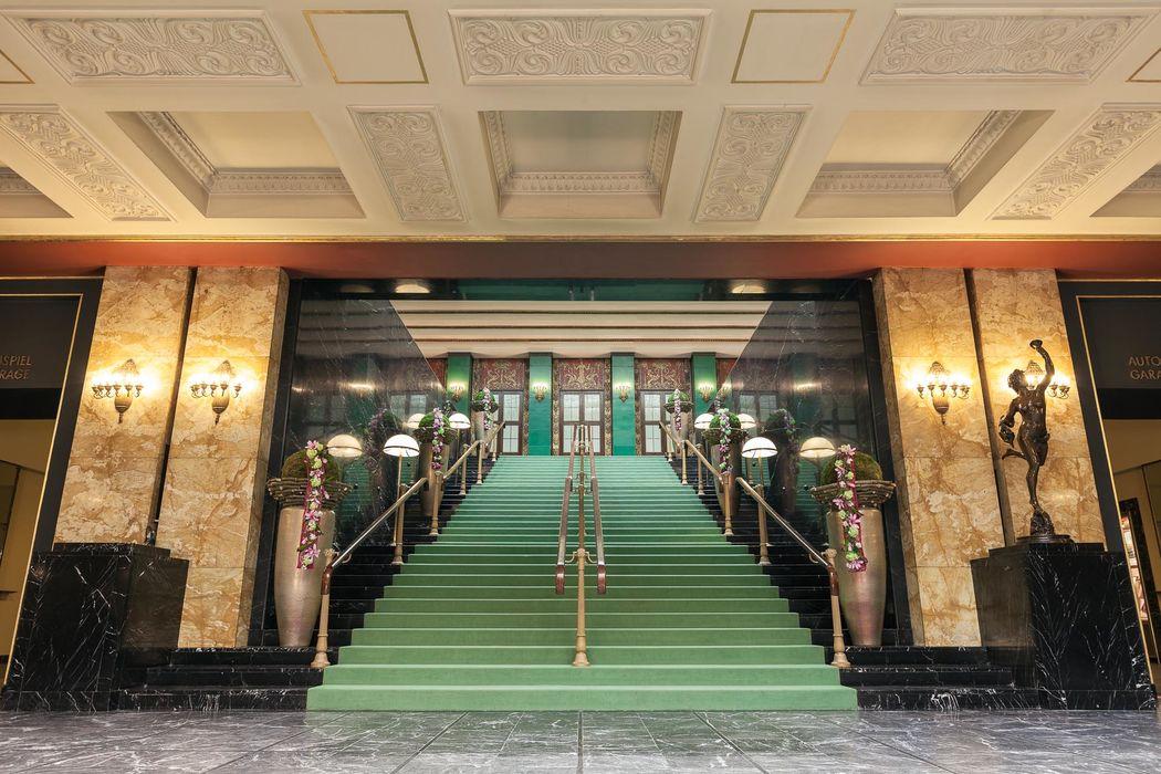 Das untere Foyer - stilvolles Entrée