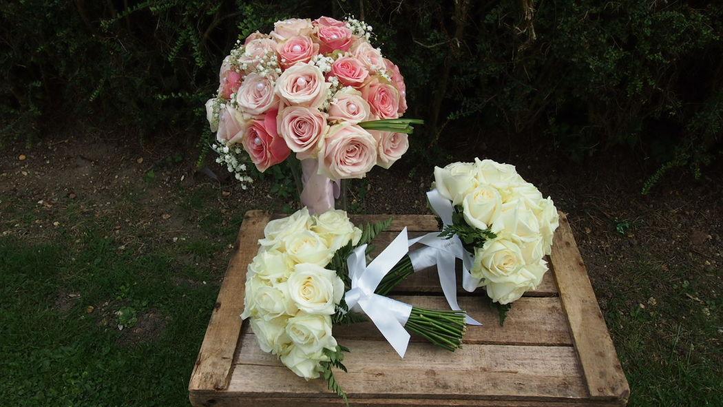 Des Bulles Dans Les Branches Bouquet de mariée et de demoiselles d'honneur