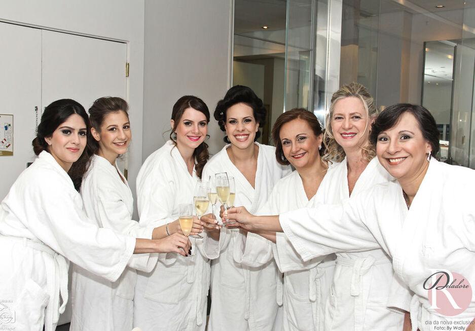 Noiva: Patricia Beleza: Dia da Noiva Exclusivo por Ro Deladore Foto: By Wally
