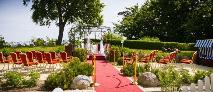 Beispiel: Hochzeitspavillon am Strand, Foto: Cliff Hotel Rügen.