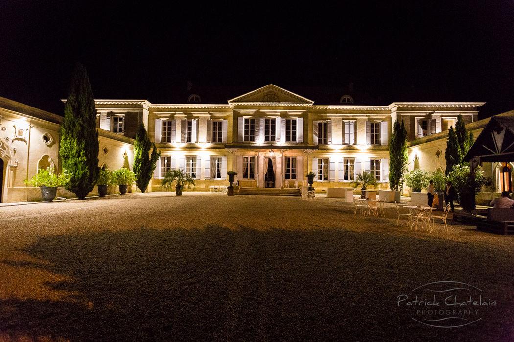 Façade avant du château donnant sur la cour d'honneur fasse à la Garonne