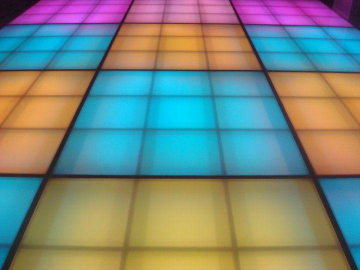 Diseñamos y llenamos de luz todo el evento