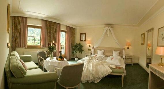 Beispiel: Hochzeits Suite, Foto: Reschenhof.