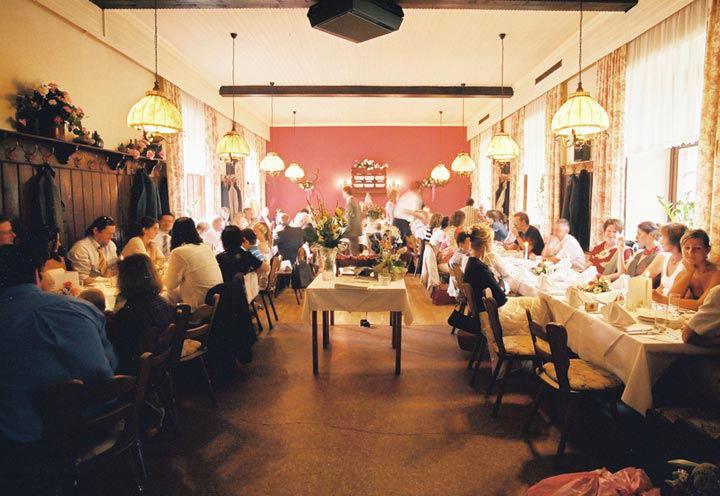 Beispiel: Hochzeitsgesellschaft, Foto: Restaurant Schottenhof.