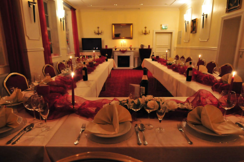 Beispiel: Festtagstafel, Foto: AKZENT Hotel Goldene Krone.