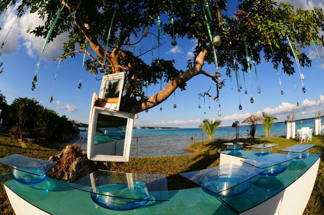 La mesa de postres a la orila de la Laguna de Bacalar sólo en Paraiso Bacalar!