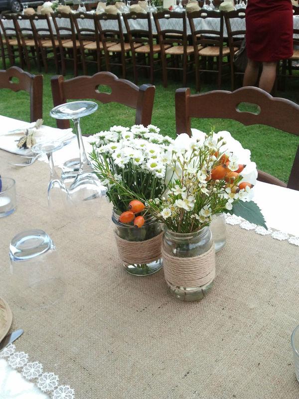 Centrotavola con fiori di campo