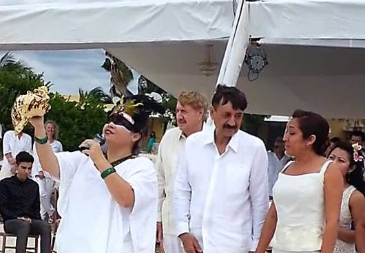 llamado a los Bacabes y Hunab Kuh para iniciar la ceremonia Video: https://www.youtube.com/watch?v=k4YfmbsSvsM