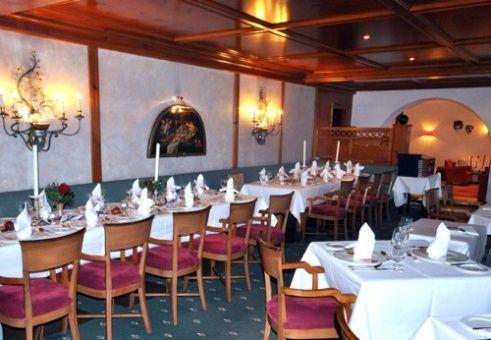 Beispiel: Festtagstafel, Foto: Romantik Hotel Waxenstein.