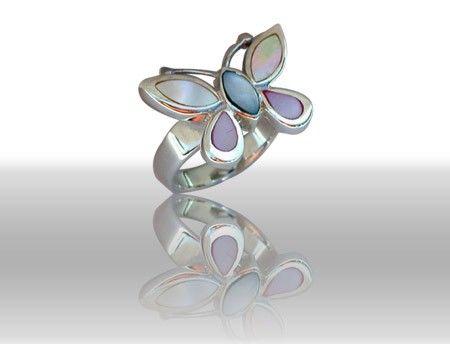 Beispiel: Ring Schmetterling Muschelschmuck, Foto: DiWe Design.