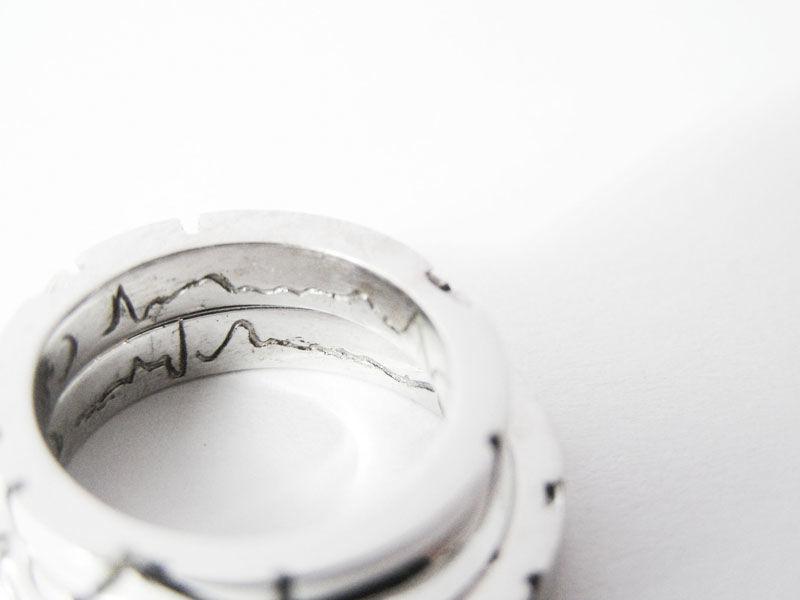 MIOeTUO - anelli in oro bianco, incisione interna del battito cardiaco