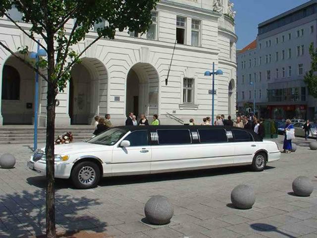 Beispiel: Auftritt mit Stil, Foto: Action Limousine.